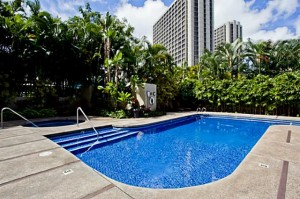honolulu tower condo pool