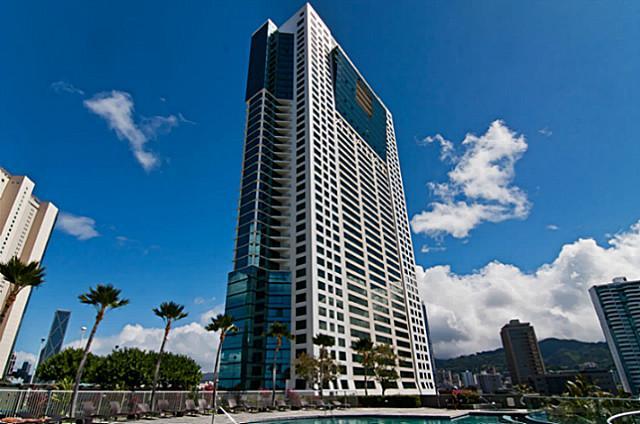 Kakaako Waikiki one bedroom condo building
