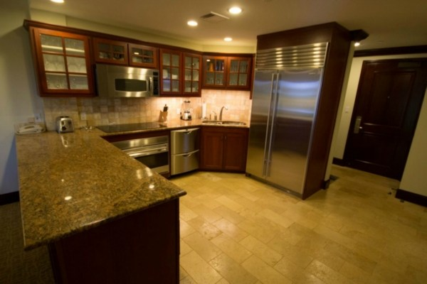 Waipouli-Beach-Resort-kitchen