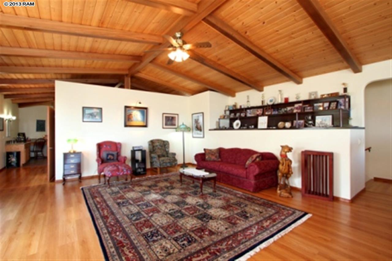 maui-horse-ranch-living-room