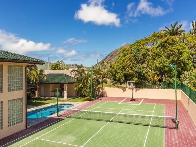 luxury Hawaii Kai home Sport Court