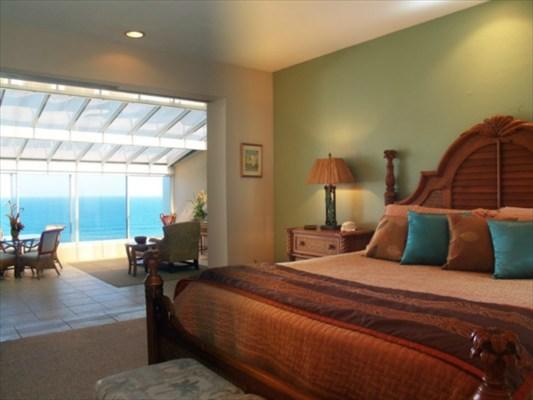 princeville luxury penthouse bedroom