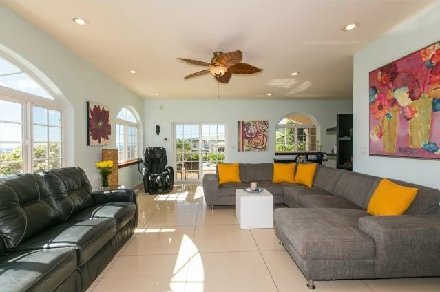 Na Pali Haweo home - living room