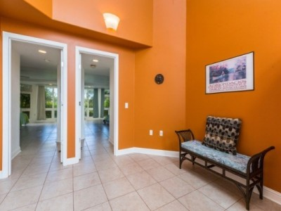 4141 QUEEN EMMAS DR #30 - foyer