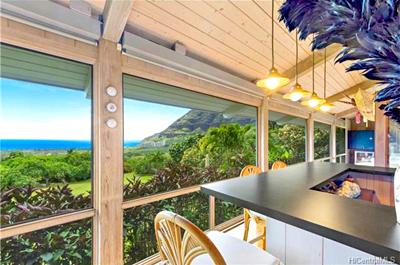 Makaha Home - lanai ocean mountain views