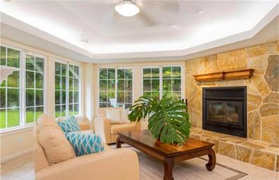 Oahu Luxury Home _Nuuanu - fire place