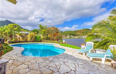 Waterfront Kailua Property - pool