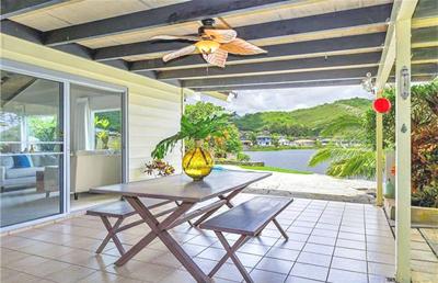 Waterfront Kailua Property - lanai patio