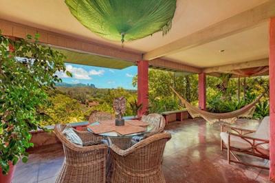 hilltop Kauai property - lanai