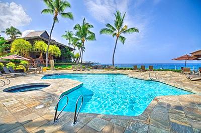 Big Island Ocean View Condo - pool