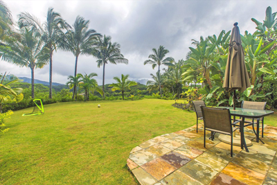 Kauai Luxury Home - backyard