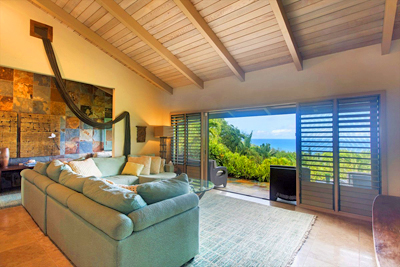 Kauai Luxury Home - living room